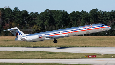 N9622A - McDonnell Douglas MD-83 - American Airlines