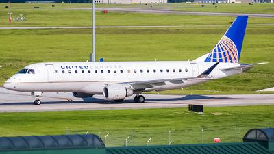 A picture of N82314 - Embraer E175LR - United Airlines - © Ksavspotter