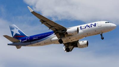 CC-BJD - Airbus A320-214 - LAN Airlines
