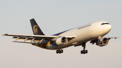 N127UP - Airbus A300F4-622R - United Parcel Service (UPS)