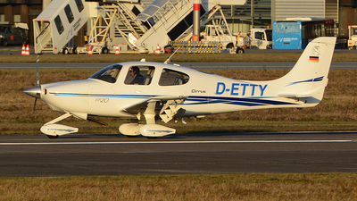 D-ETTY - Cirrus SR20 - Private