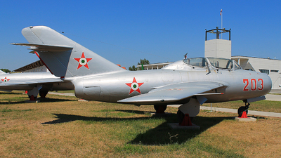 203 - Mikoyan-Gurevich MiG-15UTI Midget - Hungary - Air Force