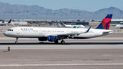 N333DX - Airbus A321-211 - Delta Air Lines