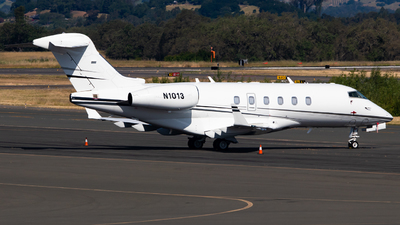 N1013 - Bombardier BD-100-1A10 Challenger 300 - Private