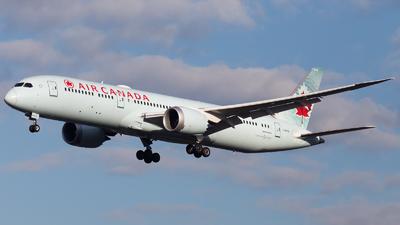 A picture of CFRSI - Boeing 7879 Dreamliner - Air Canada - © RobertLN