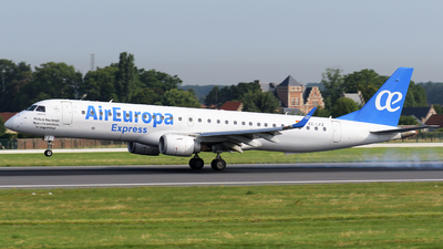 A picture of ECLFZ - Embraer E195LR - Air Europa - © Tom Mousel