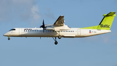 YL-BAI - Bombardier Dash 8-Q402 - Air Baltic