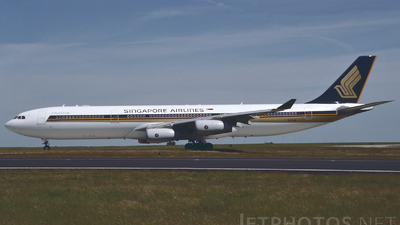 9V-SJA - Airbus A340-313X - Singapore Airlines