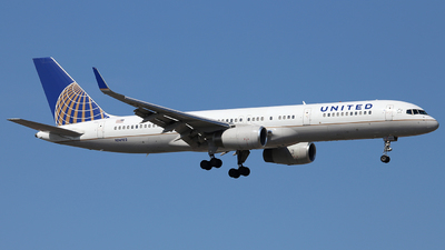 N14102 - Boeing 757-224 - United Airlines