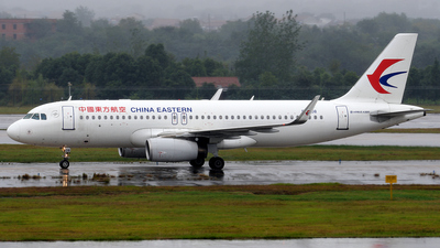 B-1608 - Airbus A320-232 - China Eastern Airlines
