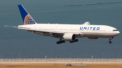 A picture of N27015 - Boeing 777224(ER) - United Airlines - © Anson Chan (HKG)