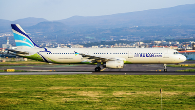 A picture of HL7713 - Airbus A321231 - Air Busan - © jeju aviation