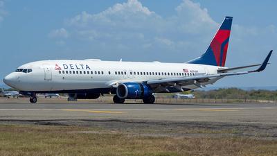 N3748Y - Boeing 737-832 - Delta Air Lines