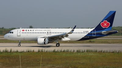 B-1695 - Airbus A320-214 - Qingdao Airlines