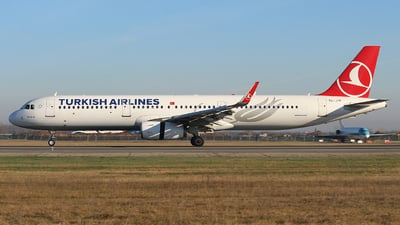 A picture of TCJTF - Airbus A321231 - Turkish Airlines - © Calin Horia Lupu