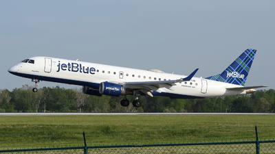 A picture of N317JB - Embraer E190AR - JetBlue Airways - © DJ Reed - OPShots Photo Team