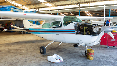 A picture of VHJEI - Cessna 210N Centurion - [21064792] - © Joel Baverstock