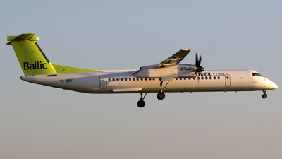 YL-BBV - Bombardier Dash 8-Q402 - Air Baltic