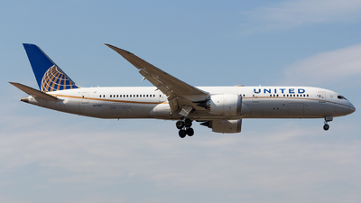 A picture of N27957 - Boeing 7879 Dreamliner - United Airlines - © Aaron_ZSAM