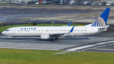 A picture of N37465 - Boeing 737924(ER) - United Airlines - © Hector Rivera - Puerto Rico Spotter