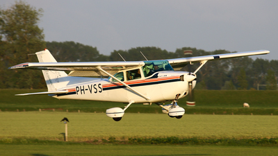 PH-VSS - Cessna 172P Skyhawk II - Private