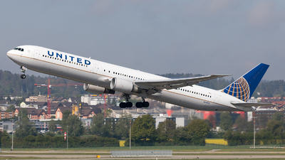 N66056 - Boeing 767-424(ER) - United Airlines