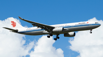A picture of B5956 - Airbus A330343 - Air China - © LOVE_PVG