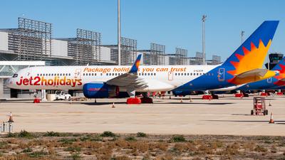 A picture of GLSAN - Boeing 7572K2 - Jet2 - © Fryderyk Kastelnik/ Fred Aviation