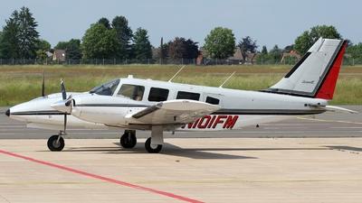 N101FM - Piper PA-34-220T Seneca III - Private