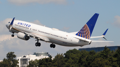 A picture of N77537 - Boeing 737824 - United Airlines - © Brian Boche