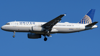 A picture of N444UA - Airbus A320232 - United Airlines - © Matt Lino