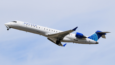 A picture of N521GJ - Mitsubishi CRJ550 - United Airlines - © Brady Noble