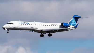 A picture of N532GJ - Mitsubishi CRJ550 - United Airlines - © Evan Dougherty