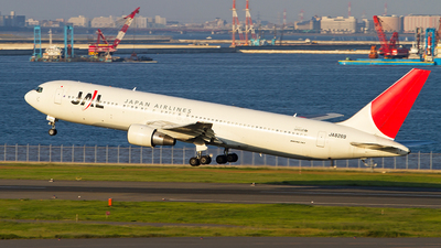 JA8269 - Boeing 767-346 - Japan Airlines (JAL)