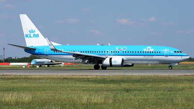 A picture of PHBXH - Boeing 7378K2 - KLM - © Marin Ghe.