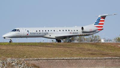 A picture of N646AE - Embraer ERJ145LR - American Airlines - © Jake Sevigny - kmht.jake
