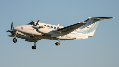 G-EUNI - Beechcraft B200 Super King Air - Private