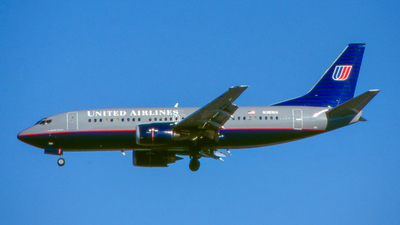 N361UA - Boeing 737-322 - United Airlines