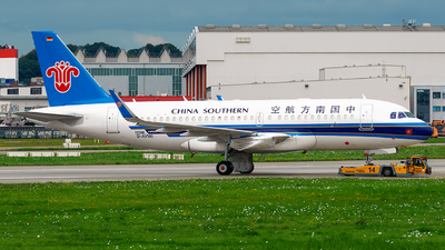 D-AVWI - Airbus A319-153N - China Southern Airlines