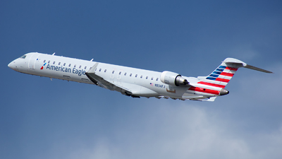 A picture of N934FJ - Mitsubishi CRJ900ER - American Airlines - © Michael Rodeback