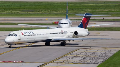 N947DL - McDonnell Douglas MD-88 - Delta Air Lines