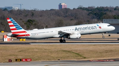 A picture of N524UW - Airbus A321231 - American Airlines - © Yan777