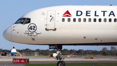N702TW - Boeing 757-2Q8 - Delta Air Lines
