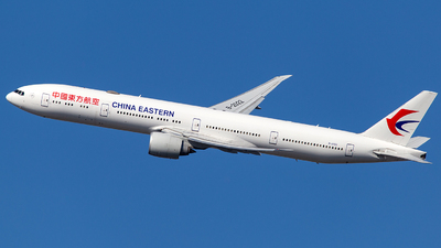 A picture of B2022 - Boeing 77739P(ER) - China Eastern Airlines - © Wenjie Zheng