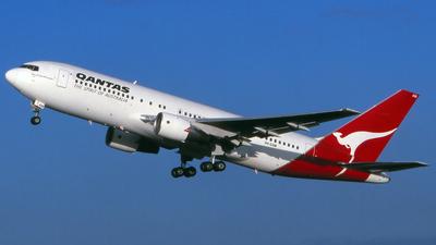 VH-EAM - Boeing 767-238(ER) - Qantas
