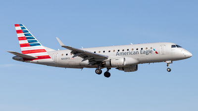 A picture of N409YX - Embraer E175LR - American Airlines - © Felipe Garcia