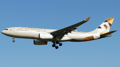 A6-EYK - Airbus A330-243 - Etihad Airways