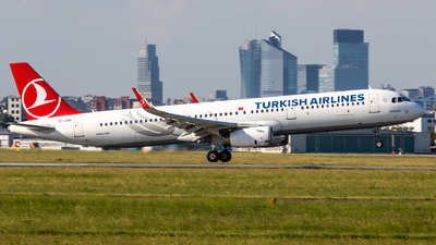 A picture of TCJSN - Airbus A321231 - Turkish Airlines - © Grzesiek Krupa