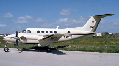 D-IHEB - Beechcraft B200 Super King Air - Silver Cloud Air