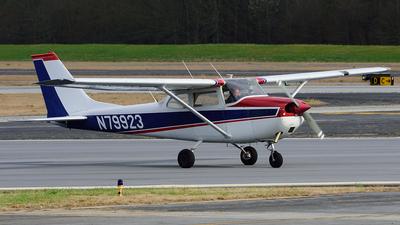 A picture of N79923 - Cessna 172K Skyhawk - [17258251] - © Agustin Anaya